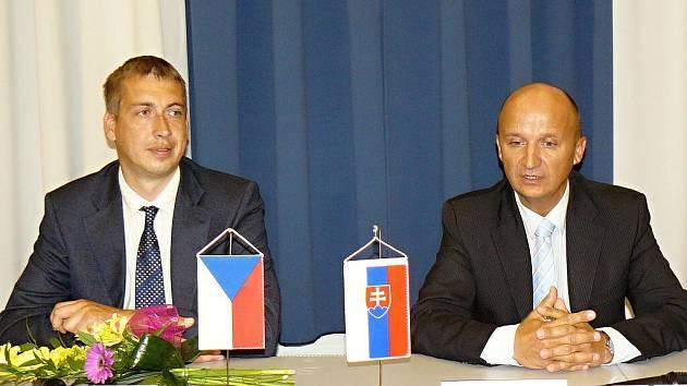 Starosta Svitav David Šimek a primátor Žiaru nad Hronom Ivan Černaj. Ilustrační fotografie.