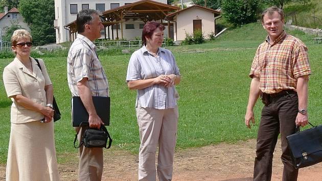 Komisaře v Makově zaujal letní areál.
