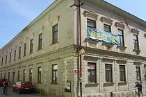 Nemají kde tančit. Obyvatelé Moravské Třebové postrádají taneční sál. Besední dům je už dlouho uzavřen.