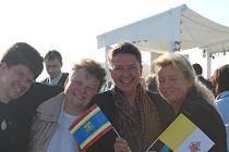HANA FRANČÁKOVÁ (uprostřed) z koclířovské Fatimy měla možnost se několikrát setkat s papežem Benediktem XVI.