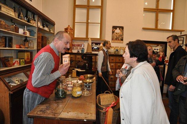 Z výstavy o obchodování v minulosti v poličském muzeu.