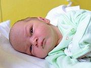 JONÁŠ PYTEL. Narodil se 2. května Karolíně Pytlové z Opatova. Měřil 49 centimetrů a vážil 3,35 kilogramu.