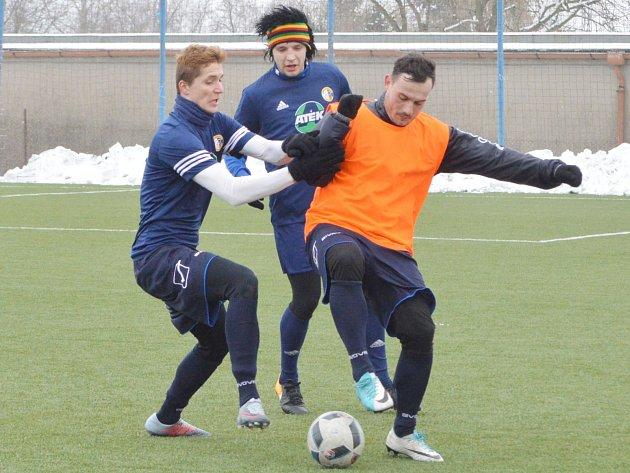 Pod jednoznačný výsledek se nejvíce podepsal svitavský Michal Frolo (vpravo), který se zaskvěl hattrickem.