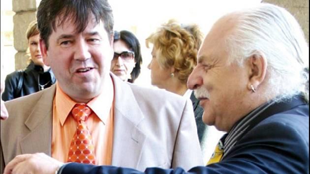 Milan Knižák otevřel arkády.