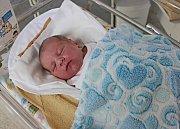DOMINIK KALOD potěšil rodiče Andreu a Jana 8. dubna, když ve 12.28 hodin přišel na svět. Vážil 3,45 kilogramu a měřil půl metru. Vyrůstat bude s pětiletým bráškou Matyášem.