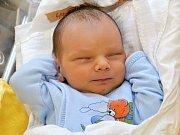 ZDENĚK WÖLFL. Narodil se 26. září Lucii Kovářové a Zdeňkovi Wölflovi z Moravské Třebové. Měřil 47 centimetrů a vážil 2,9 kilogramu. Má sestru Nikolu.