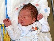 MIKULÁŠ VACHUTKA. Narodil se 1. července Kristýně Macháčkové a Tomáši Vachutkovi z Chornic. Měřil 49 centimetrů a vážil 3,08 kilogramu. Má sestru Bereniku.