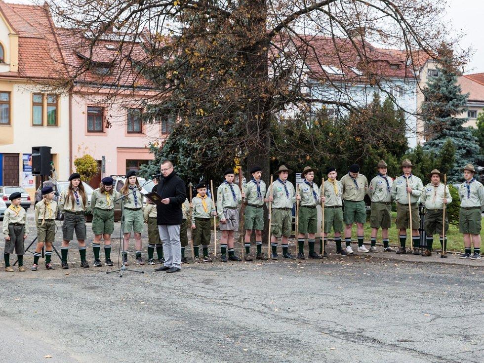 Vzpomínkový akt k 98. výročí vzniku samostatného Československa pořádali ve  čtvrtek odpoledne v Jevíčku
