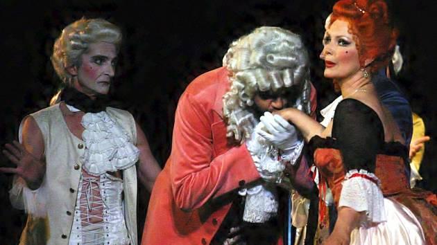 Festivalová premiéra opery Manon Lescaut od Pucciniho.