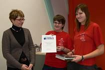 Exkurze v redakci Svitavského deníku předcházela vyhlášení výsledků soutěže Novinář junior
