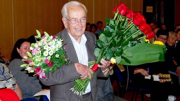 Primář Iserle z Pardubic oslavil 101. narozeniny