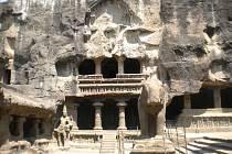 KAILASA TEMPLE v Ellora Caves.