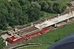Fotografie z výstavby D35 v úseku Opatovice nad Labem - Časy - Ostrov.