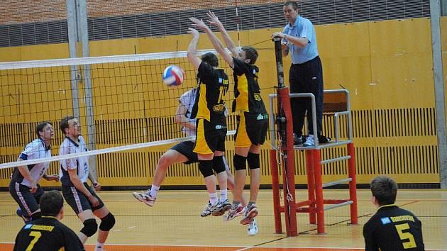 Volejbalisté Litomyšle porazili v derby Svitavy a potvrdili první místo v tabulce.