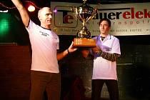 Vyhlášení Cyklomana – Tauer elektro Cupu 2008 v Moravské Třebové, vítězové letošního seriálu Doležel a Dvořák