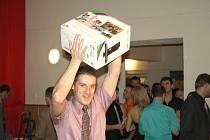 Sokolský ples v Dolním  Újezdu  si nenechaly ujít stovky lidí. Již před několika lety  místní sportovci  zvedli úroveň svého bálu a  každý rok chystají pestrý program.