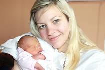 KAROLÍNA DUCHÁČKOVÁ. Přišla na svět 15. prosince ve 13.55 hodin ve svitavské porodnici. Sestřičky jí navážily 2,59 kilogramu a naměřily 47 centimetrů. S rodiči Petrou a Jiřím bude doma ve Svitavách.