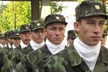 Ze slavnostního slibu studentů prvního ročníku vojenské střední školy v Moravské Třebové.
