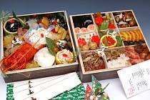 Slavnostní novoroční jídlo Japonců