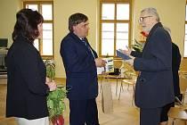 Diplom a medaili Bohuslava Martinů převzal 4. května Jan Kapusta. Doktor filozofie, muzikolog a jeden ze zakladatelů Nadace Bohuslava Martinů.