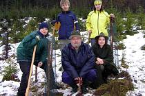 Výsadby se zůčastnil i Josef Halva (uprostřed) z mysliveckého sdružení ve Vítějevsi.