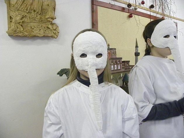 Úklid kontrolovaly v Jaroměřicích u Jevíčka ve všech domácnostech bílé Lucky.