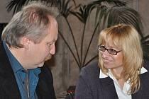 Kastelánka Jana Sehnalová hovoří se starostou města Michalem Kortyšem.