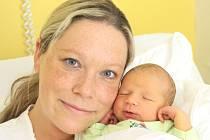 ANETA VÍŠKOVÁ. Krásná holčička se narodila 10. srpna ve 2.25 hodin. Sestřičky jí po narození navážily 3,3 kilogramu a naměřily 49 centimetrů. S rodiči Bárou a Milanem bydlí v Radiměři.