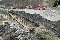Během akce obnovíme betonový povrch nosné části prosté desky a navazujících opěr a prověří novou římsu s ocelovým zábradlím, řekli silničáři.