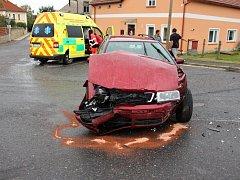 Střet aut v Morašicích si vyžádal zranění i velké škody