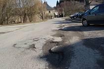 Díry na silnicích v Bělé nad Svitavou.