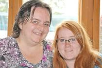 Setkání před lety změnilo Lucii  život.  V Haně Brodníčkové našla novou mamku a lásku, která jí doma chyběla.  Z dítěte ulice je  studentka, která se zúčastnila i konference v  Kanadě.