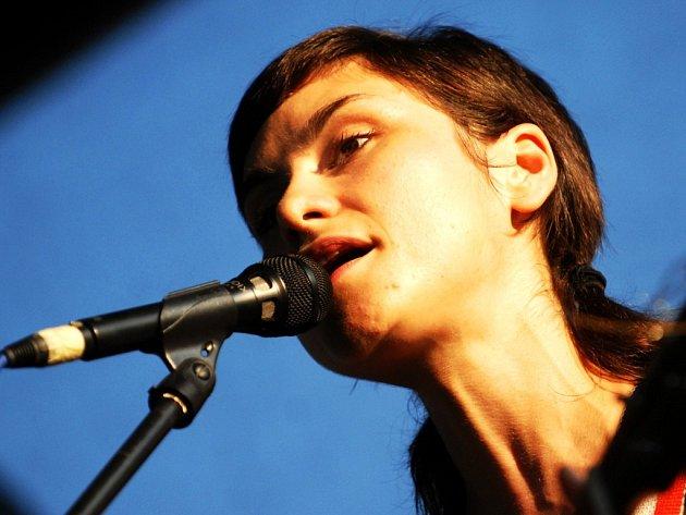 Lenka Dusilová se také objevila na festivalu.