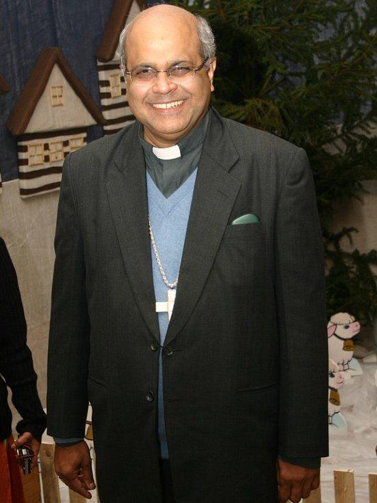 Biskup Derek Fernandes pochází z města Karwar.