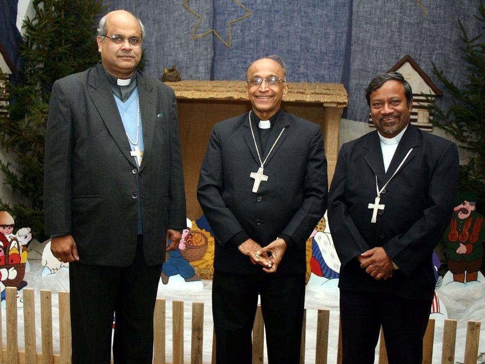 Jako tři králové (zleva) Derek Fernandes, Bernard Moras, Petr Machado.