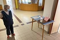Senioři v domově v Poličce absolvovali testování. Negativní výsledky jim přinesly aspoň trochu klidu.