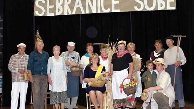 ZLATOU STUHU v Pardubickém kraji  v loňském roce získaly Sebranice. Do soutěže se zapojila celá vesnice.
