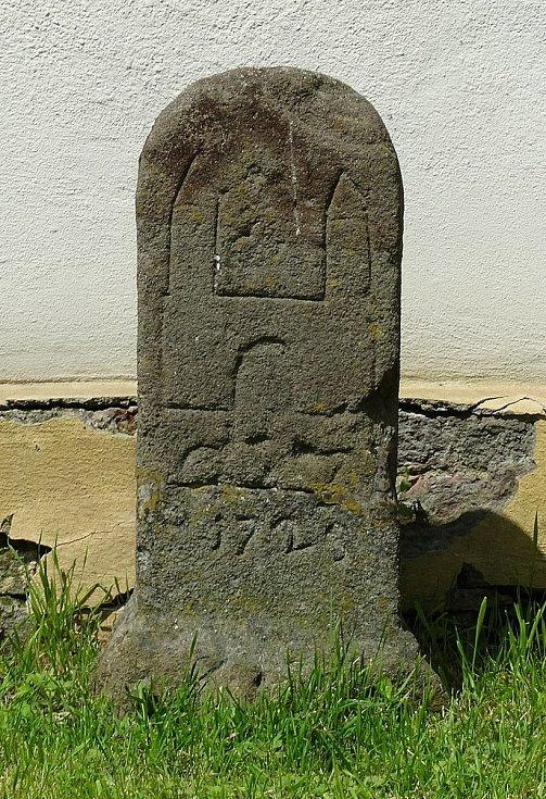 Hraniční kámen uložený v Muzeu ve Svitavách.