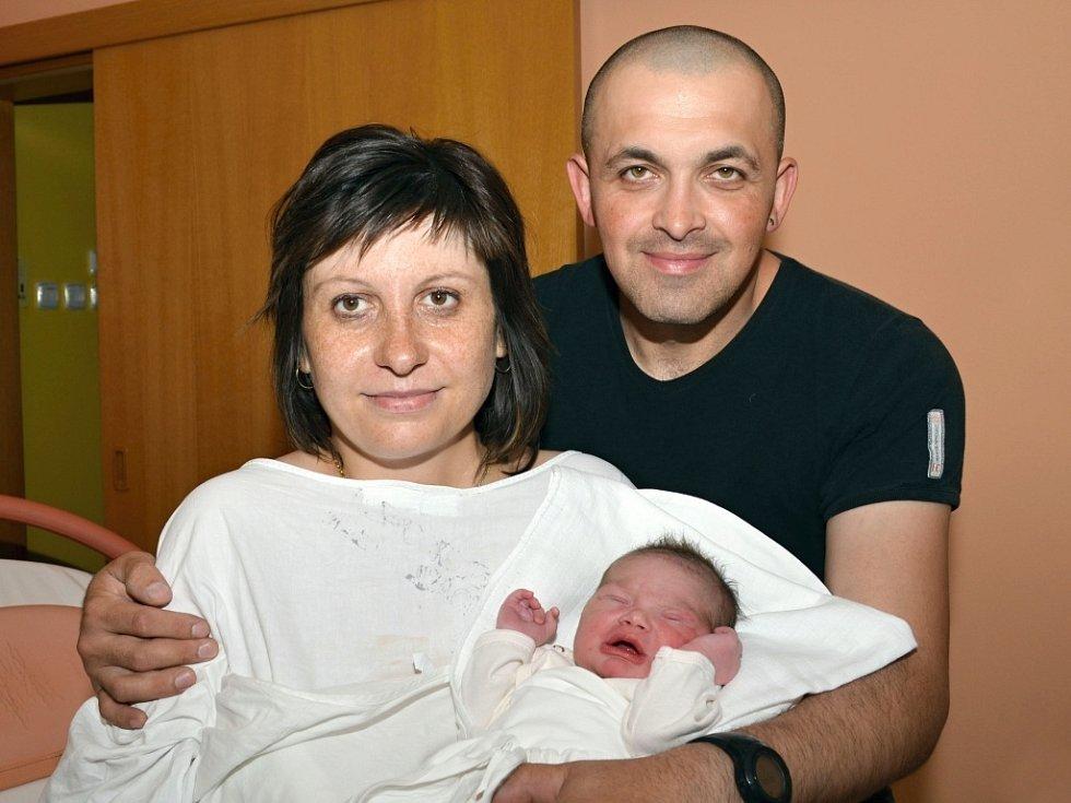 MONIKA VASIL' BARANOVÁ. Narodila se 9. června Monice Rozsypalové a Martinu Baranovi ze Svitav. Měřila 49 centimetrů a vážila 3,35 kilogramu.