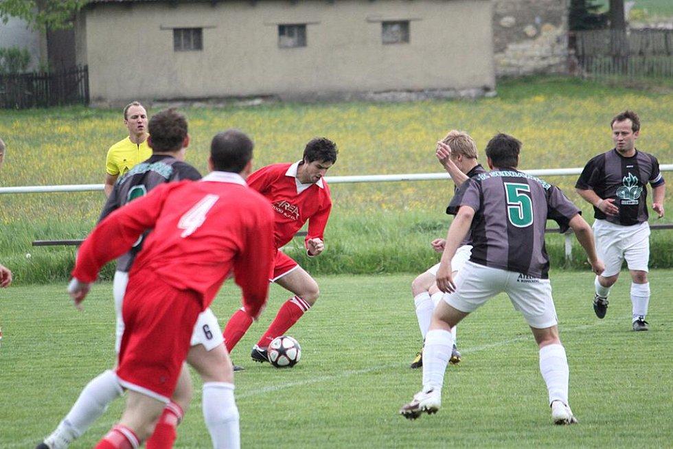 Celek Pomezí vrátil rivalům ze Sebranic podzimní porážku.