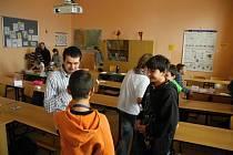 NADĚJE i letos organizovala tématické besedy z cyklu přednášek Škola pro život, které tentokrát vedl lektor Petr Kadlec z České Třebové.