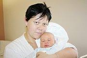 DANIEL FRANC. Přesně ve dvě hodiny odpoledne se 18. listopadu narodil Daniel, který vážil 3,9 kilogramu a měřil 52 centimetrů. Doma bude ve Svitavách, kde už ne něj čeká tříletý bráška Filip.