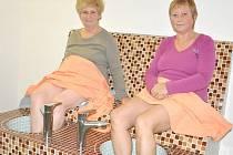 ÚLEVA PRO NOHY, odpočinek pro celé tělo. Soutěžící Milada, Jaroslava a Milan si v centru Savitar vyzkoušeli Kneippovy koupele nohou. A ještě se navíc ohřáli v salionáriu.
