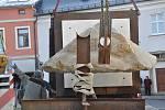 Z Litomyšle mizí první sochy.