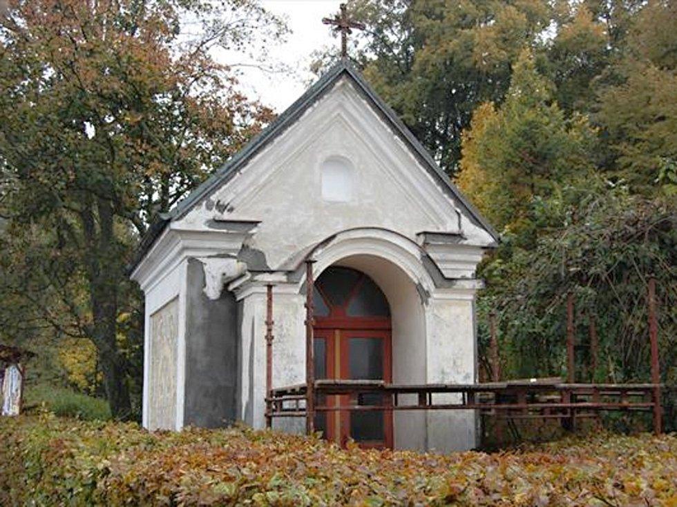 Kaplička v Poličce.
