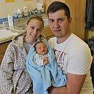 MATIAS KOUTSKÝ je první syn Nikoly a Jana z Lanškrouna. Přišel na svět 9. dubna ve 13.38 hodin. Vážil 3,15 kilogramu a měřil 50 centimetrů.