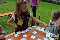 Střihneme si, kdo začne! Tak začínala každá hra banínského turnaje v pexesu. Do soutěžního klání se zapojily nejen děti, ale i dospělí.