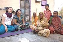Klára Večeřová se v Indii zapojila do pomoci chudým dětem, ale také místním seniorům