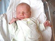 LIBOR BRÁZDA. Chlapec spatřil světlo světa 22. dubna v 19.05 hodin ve svitavské porodnici. Vážil 3,15 kilogramu a měřil 52 centimetrů. Tatínek Libor byl mamince Tereze u porodu oporou. Rodiče si hošíčka odvezou domů do Svitav.