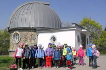 Za hvězdami se vydaly děti do brněnského planetária. Seznámily se také s planetami a souhvězdími.